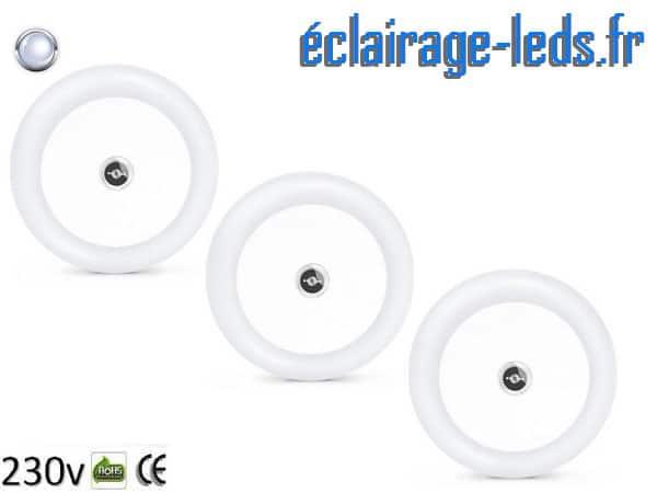 3 veilleuses LED sur prise électrique