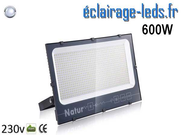 Projecteur LED extérieur 600w IP66 blanc froid 230v